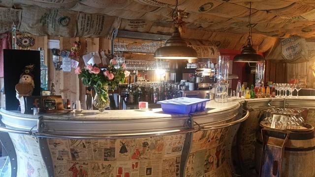 Bar restaurant idyllique - Bar Brasserie