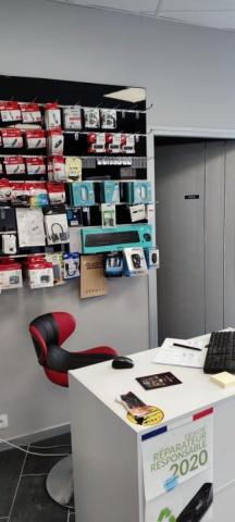Magasin de vente et réparation téléphonie et informatique - Entreprise de Services